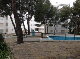 Complejo Residencial RITS. Apartamento de 2 dormitorios, parking, gran zona comunitaria con piscina y zona verde, con acceso directo a la playa. #inmo_01586_53674